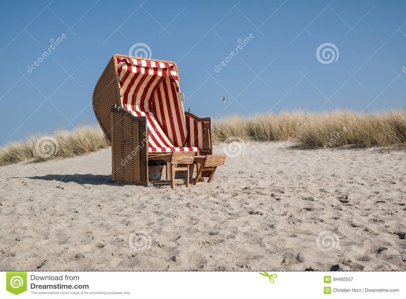 canopied beach chair
