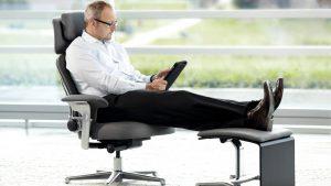 ergonomic reading chair