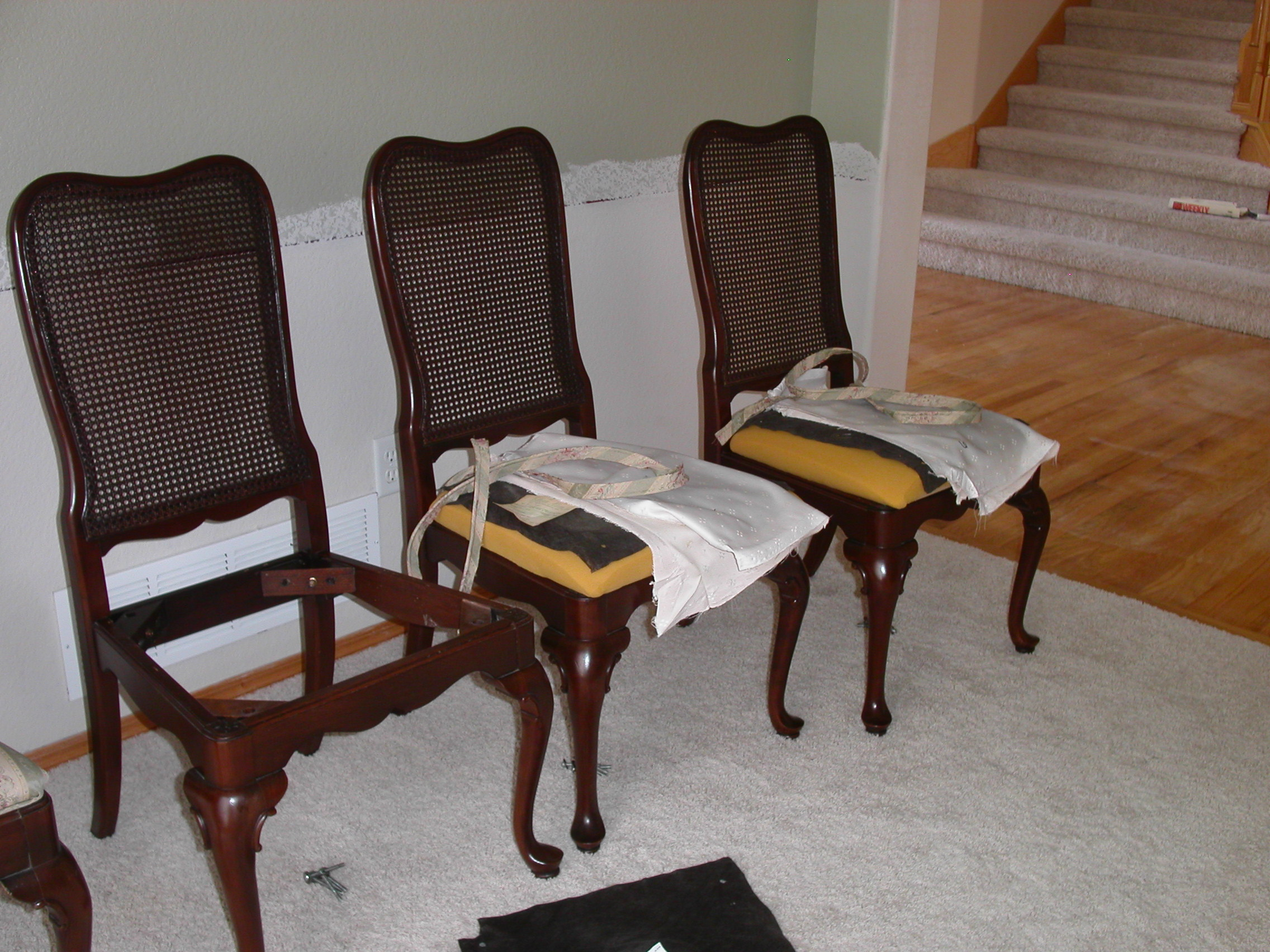 how to reupholster a dining room chair