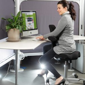 saddle ergonomic chair capisco with girl