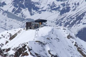 ski lift chair zermatthohtaellivomstockhornmitgondel