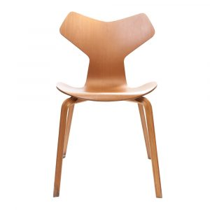 white chair with wooden legs arne jacobsen grand prix chair front
