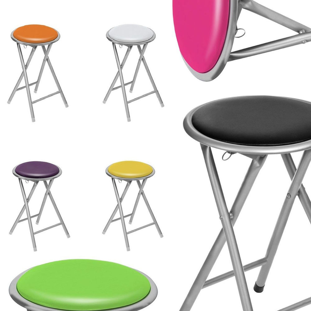 white foldable chair