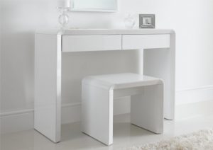 white wooden high chair ice dressing table